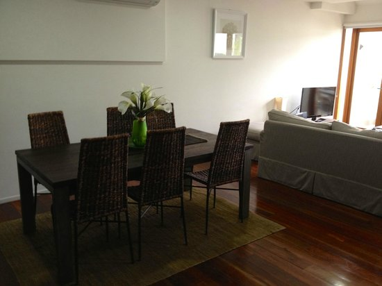 Butter Factory Apartments: Dining Area