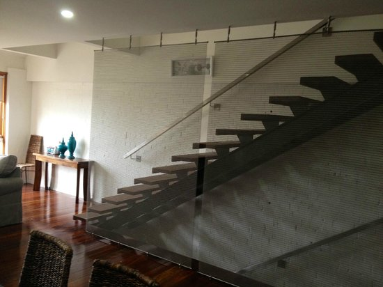 Butter Factory Apartments: Open Stairs - not so good for the littlies