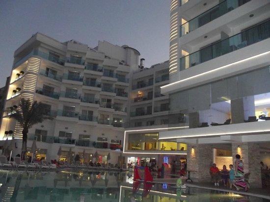 Blue Bay Platinum Hotel: mükemmellll