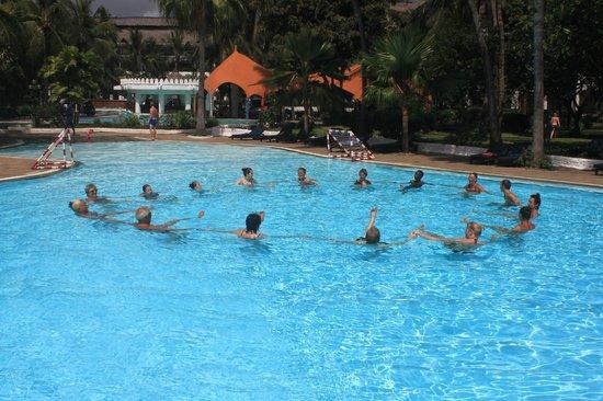 Southern Palms Beach Resort: Aqua Aerobics in the Pool
