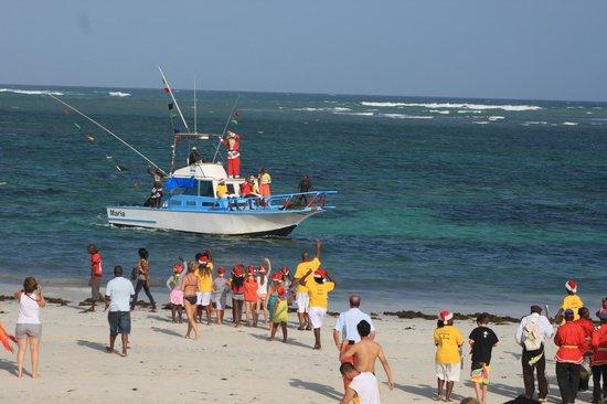 Southern Palms Beach Resort: Santas arrival