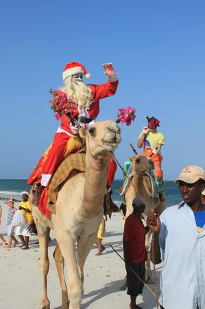 Southern Palms Beach Resort: Santa travelling to his grotto