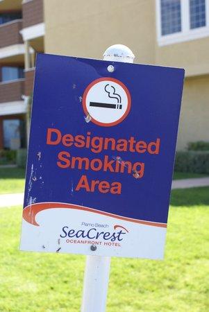SeaCrest OceanFront Hotel: Der Raucherbereich