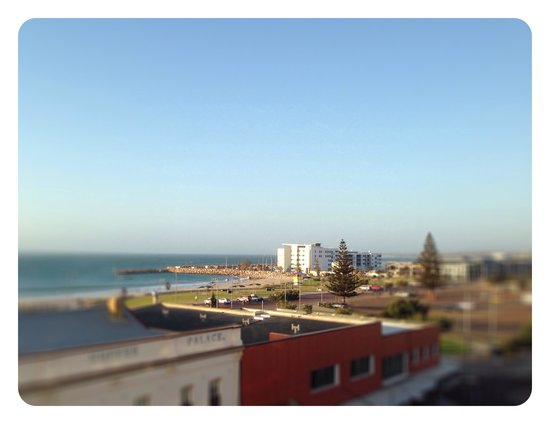 Tides of Geraldton: View