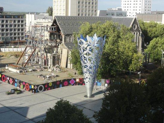 Ibis Christchurch : 7階廊下からの崩壊した大聖堂です
