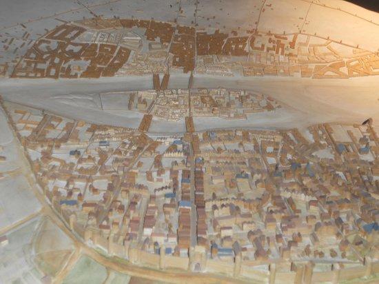 Crypte archéologique du parvis de Notre-Dame : Archeological Crypt: model of Lutetia