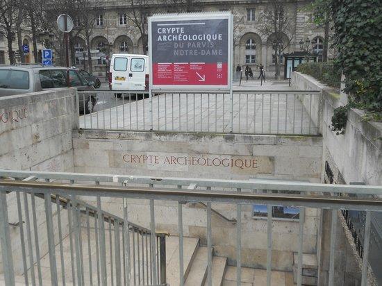 Crypte archéologique du parvis de Notre-Dame : Archeological Crypt: entrance