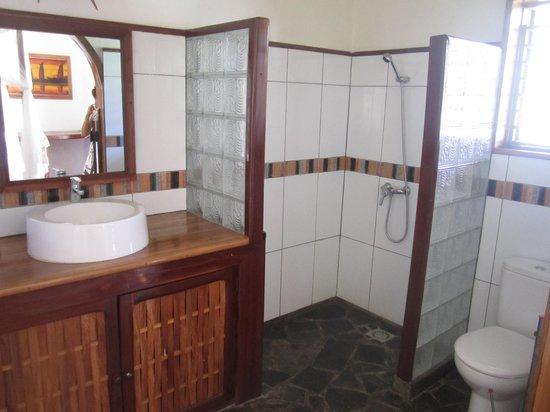 La Petite Perle: salle de bain