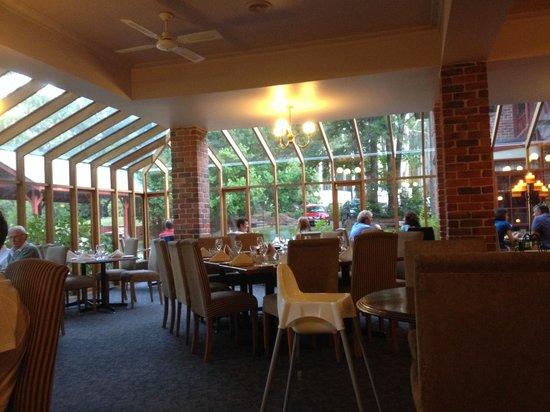 Black Spur Inn: Great views from this lovely restaurant