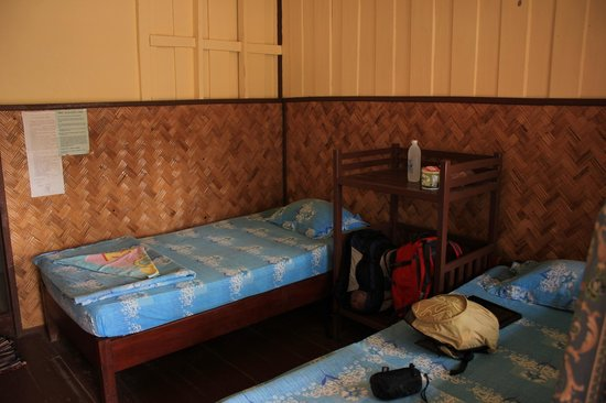 Phoubane Guesthouse: twin room, court view