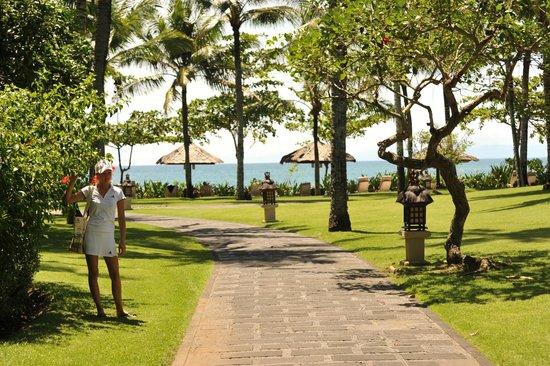 INTERCONTINENTAL Bali Resort: територия отэля