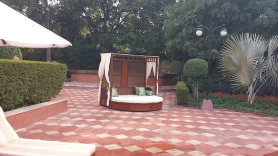 Taj Mahal Hotel : Seating for two