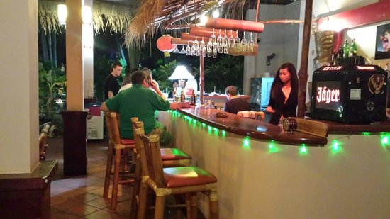 Tropical Mini-Golf : Bar