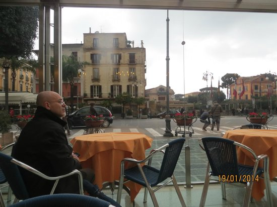 Fauno Bar: View of Piazza Tasso