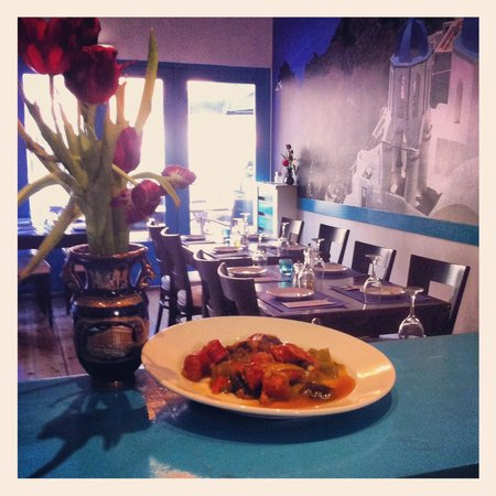 Santorini Greek Taverna : Yum Yum, Traditional