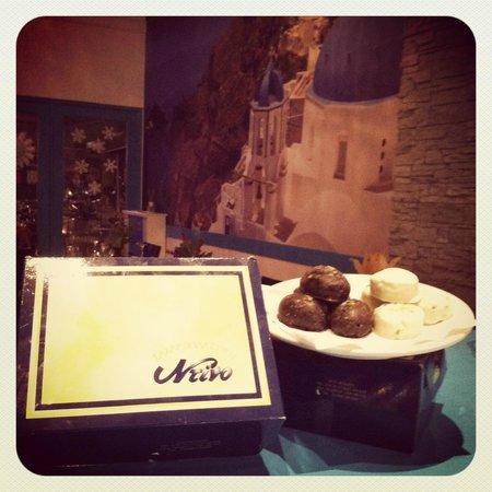 Santorini Greek Taverna : Kourabiedes and Melomakarona from our Christmas Feast!