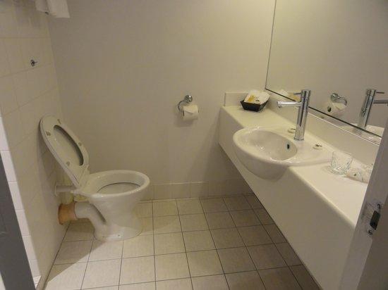 Sudima Hotel Christchurch Airport: バスタブはなくシャワールームでした