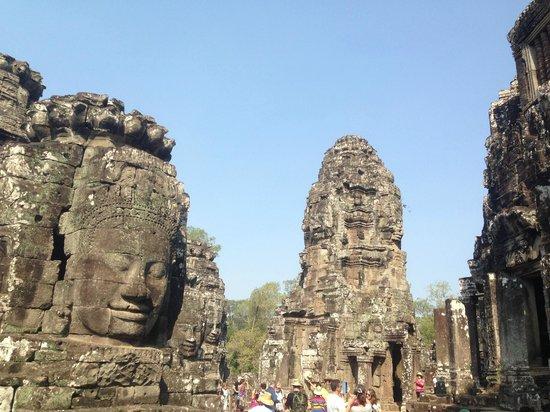 Angkor Wat Services: Bayon