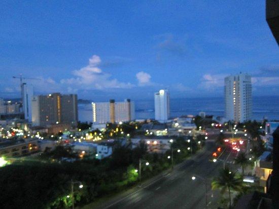 Bayview Hotel Guam : 朝焼け