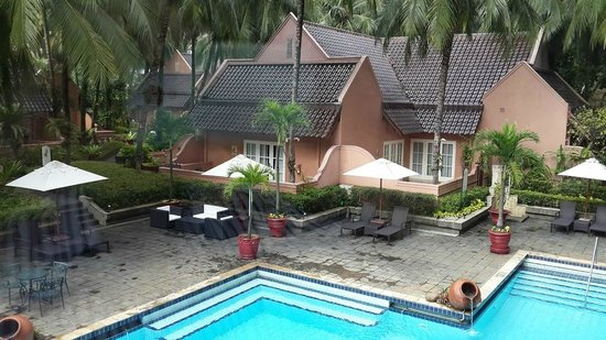 Hotel Aryaduta Lippo Village: One of the Cabanas