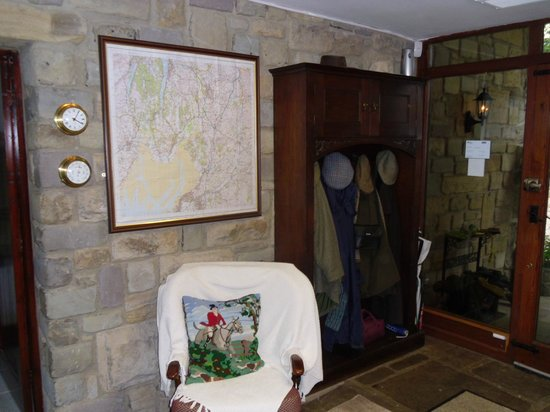 Tithe Barn Bed & Breakfast: Entrance Hall complete with regional map