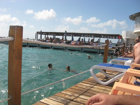 Decameron Aquarium: Direct access to the sea from quay