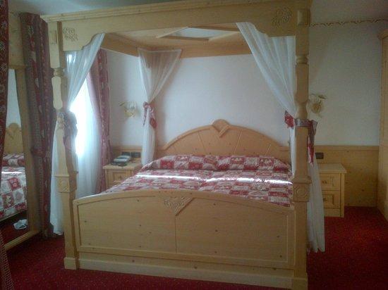 "Romantic Hotel Posta 1899: Junior suite ""Luna di Miele"""