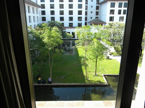 The Sukhothai Bangkok: patio interno