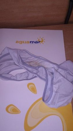 Apartamentos Aguamar: After 5 days, I took pictures and notified staff. No excuse/compensation.