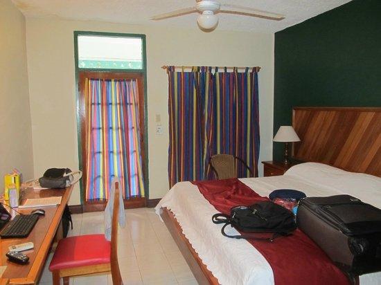 Samsara Cliffs Resort: seaside room