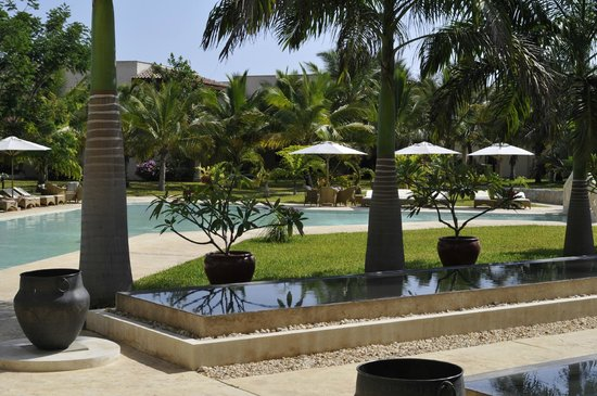 Swahili Beach Resort: another part of the pool