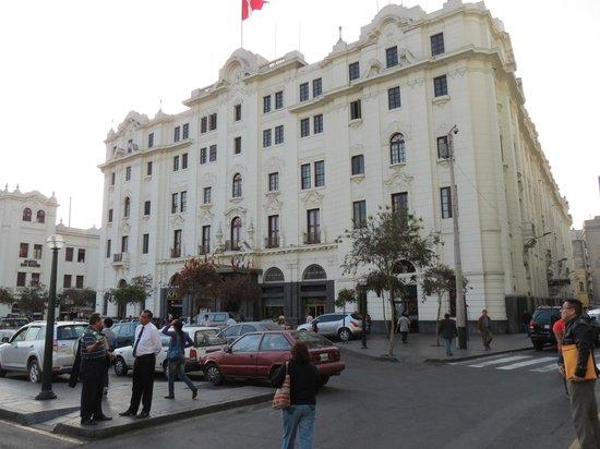 Discovering Peru: Plaza San Martin