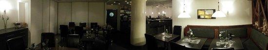 Restaurant Hirsch: Panorama mit Blick zur Bar
