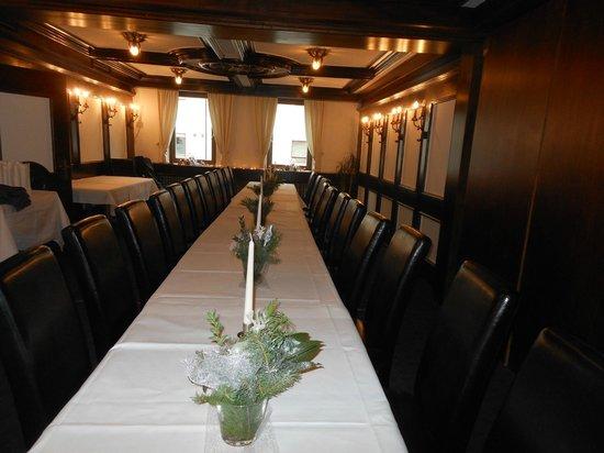 Restaurant Hirsch: Nebenzimmer bis 40 Persone in Tafel