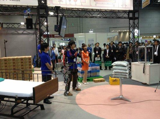 Tokyo Big Sight : 2013国際ロボット展の様子