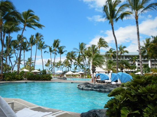 Fairmont Orchid, Hawaii: pool side with gardens is best part of this property