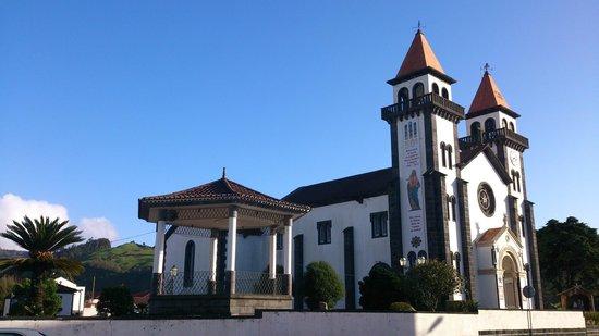 Terra Nostra Garden Hotel: Iglesia Furnas