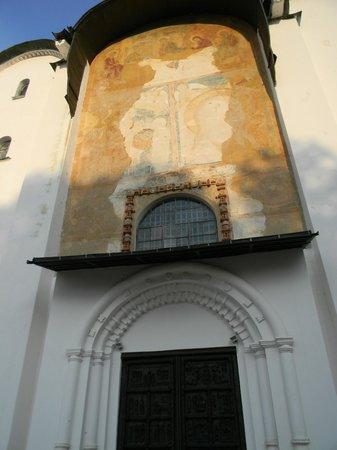 St. Sophia Cathedral: сохранившиеся детали фасада