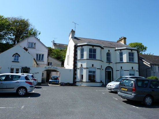 Burford Lodge Guest House: Historic Inn