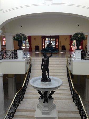 The Yeatman: The hall
