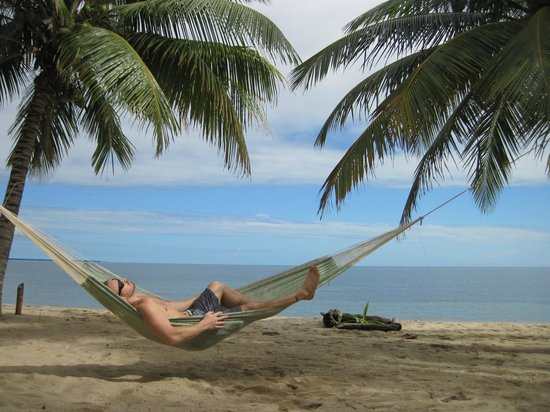 Hamanasi Adventure and Dive Resort: Hamanasi beach hammocks
