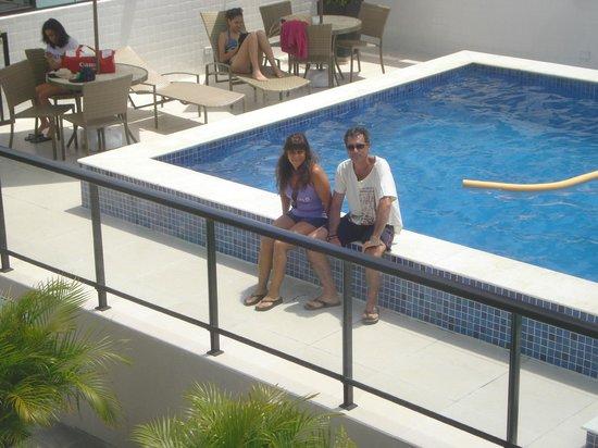 Hotel Manibu Recife: Vista de la piscina desde el solarium
