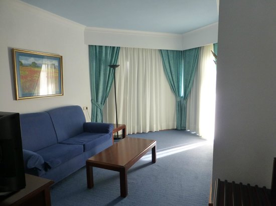 ClubHotel Riu Oliva Beach Resort : Sitting Room in Suite