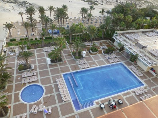 ClubHotel Riu Oliva Beach Resort : Pool View From Room