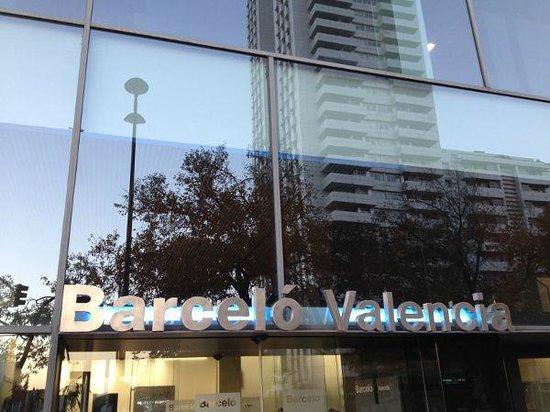 Barcelo Valencia: Fachada del Barceló Valencia