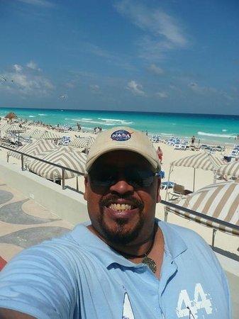 Crown Paradise Club Cancun: Acesso a praia