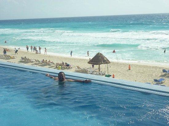 Crown Paradise Club Cancun : Piscina Maior