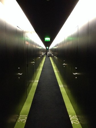 DoubleTree by Hilton Lisbon - Fontana Park : Take the elevator to your floor, this is what you see when the doors open.