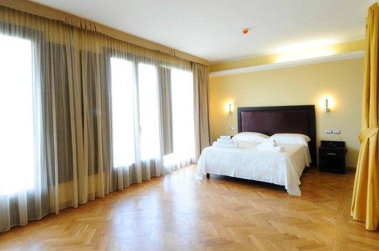 Corte dei Greci Resort & Spa: Camera comfort - Hotel Zeus