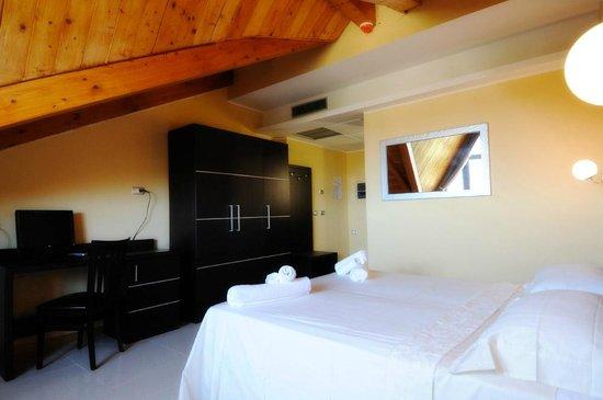Corte dei Greci Resort & Spa: Mansarda - Hotel Zeus